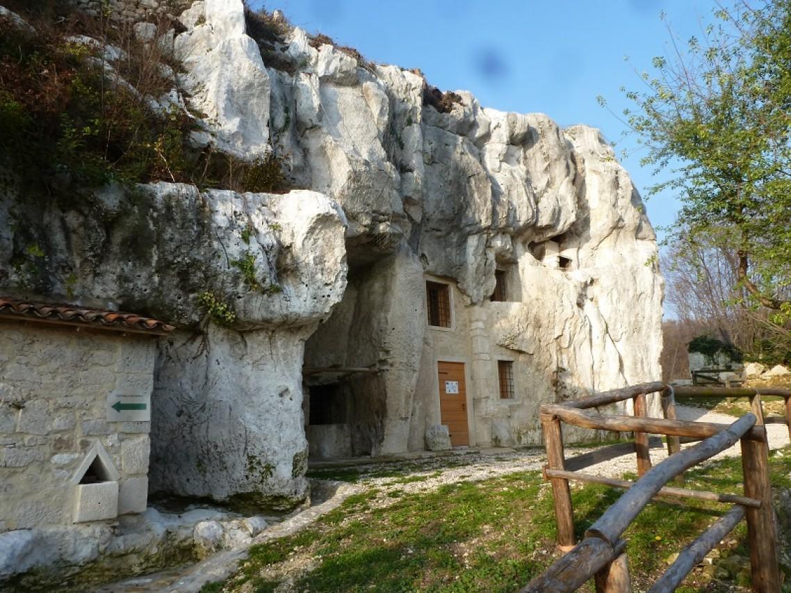 Una passeggiata tra natura, storia e archeologia attraverso i sentieri di Zovencedo (VI)