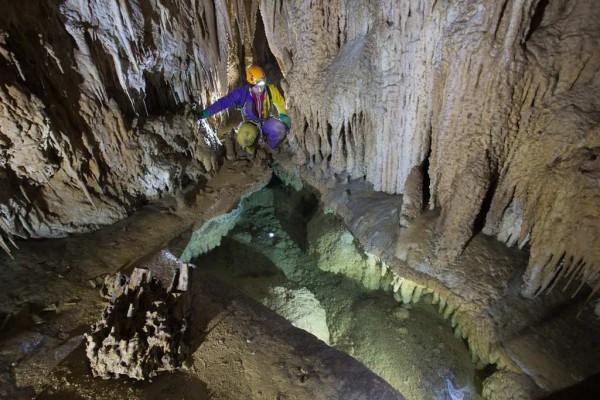 Rocce, Acqua e Vita. La ricerca scientifica in grotta