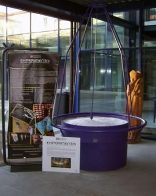 IL PENDOLO DEL CAOS Un exhibit itinerante del Progetto Experimenta